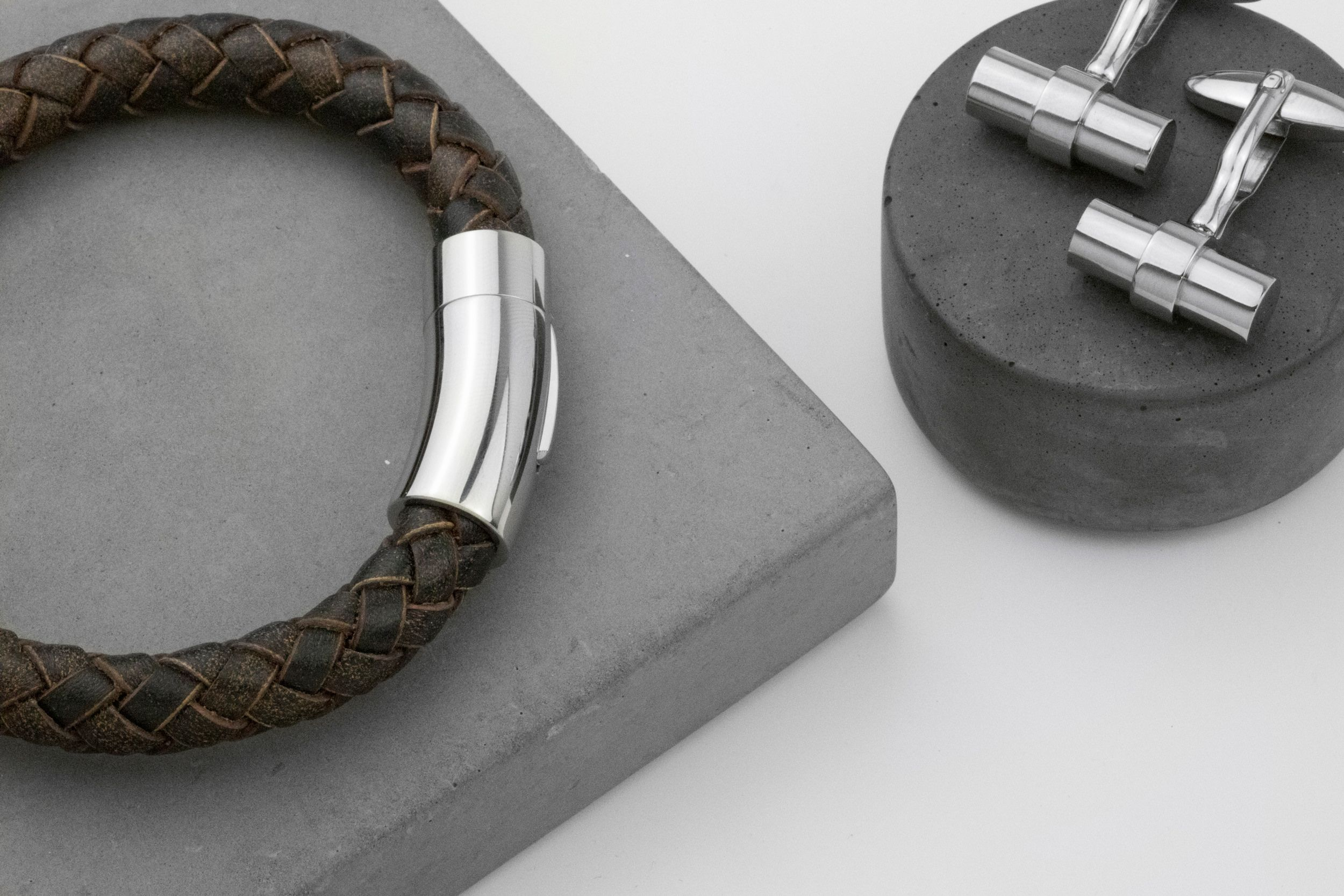 Buckley London For Him Barbican Wide Leather Wrap