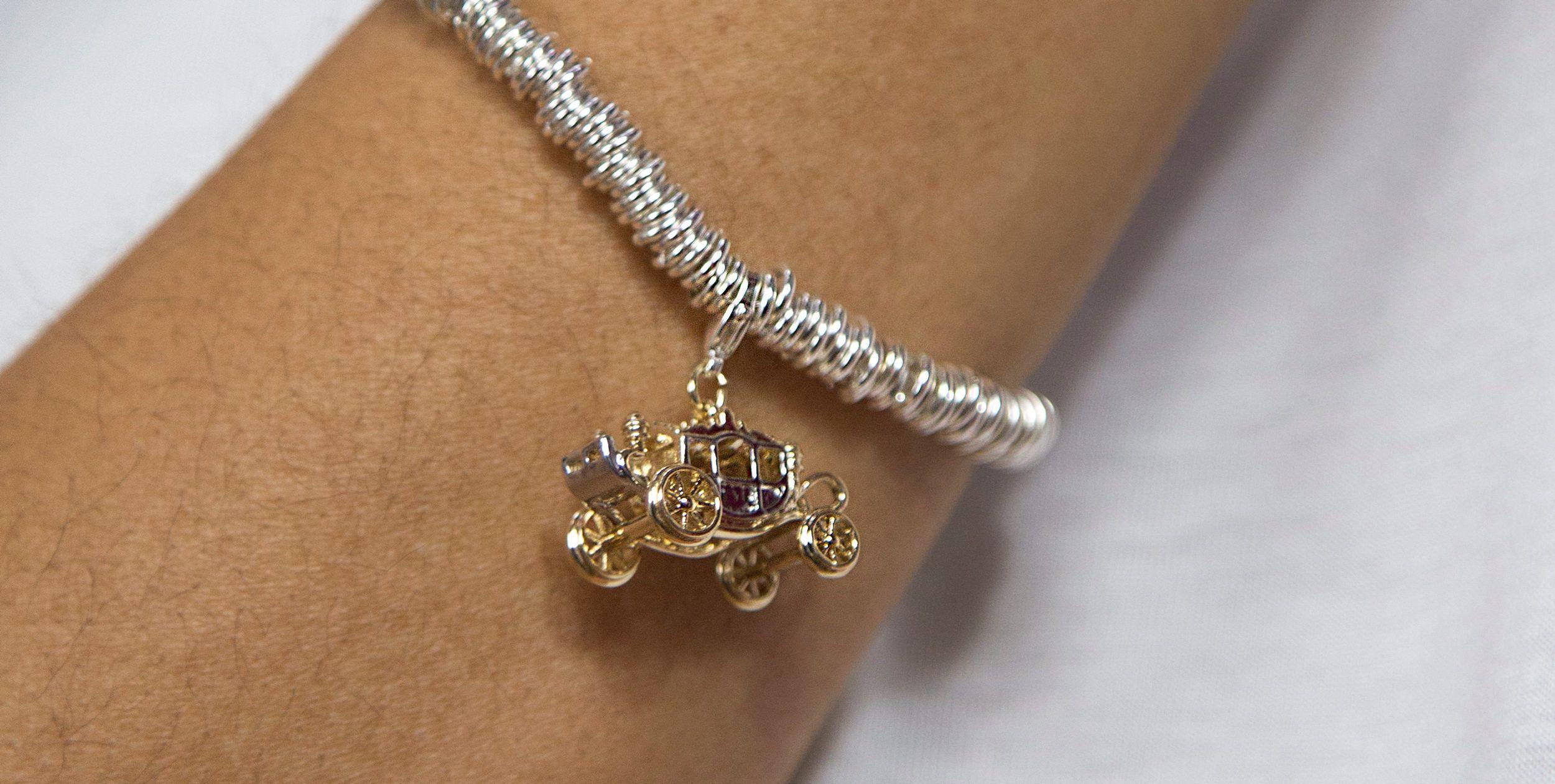 Buckley London Best of British Queen's Carriage Charm Bracelet